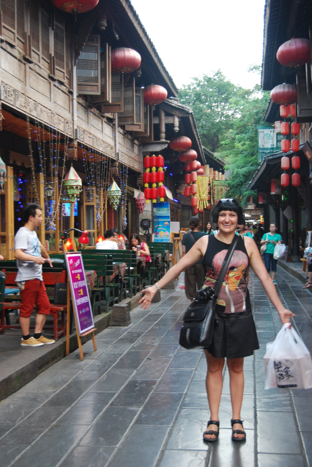 Tranquil Jinli Street and all our shopping!