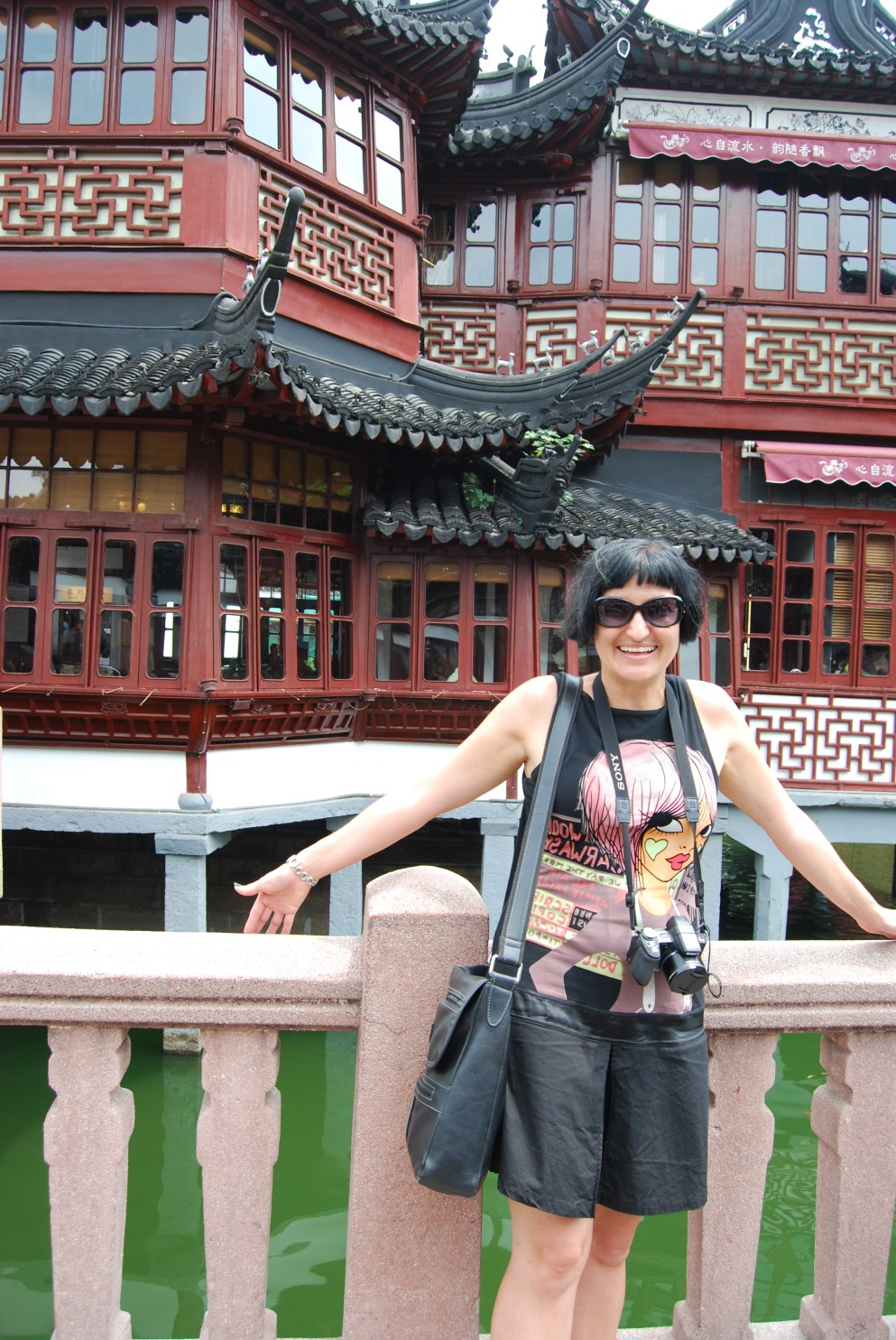 Infront of the Oldest Teahouse of Shanghai!!