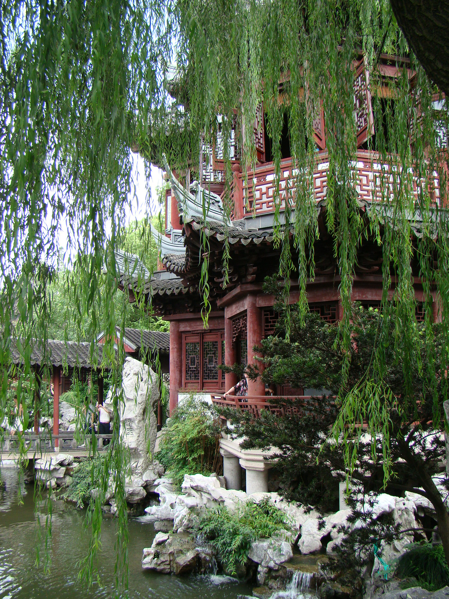Yu yuan classical garden in the heart of Shanghai