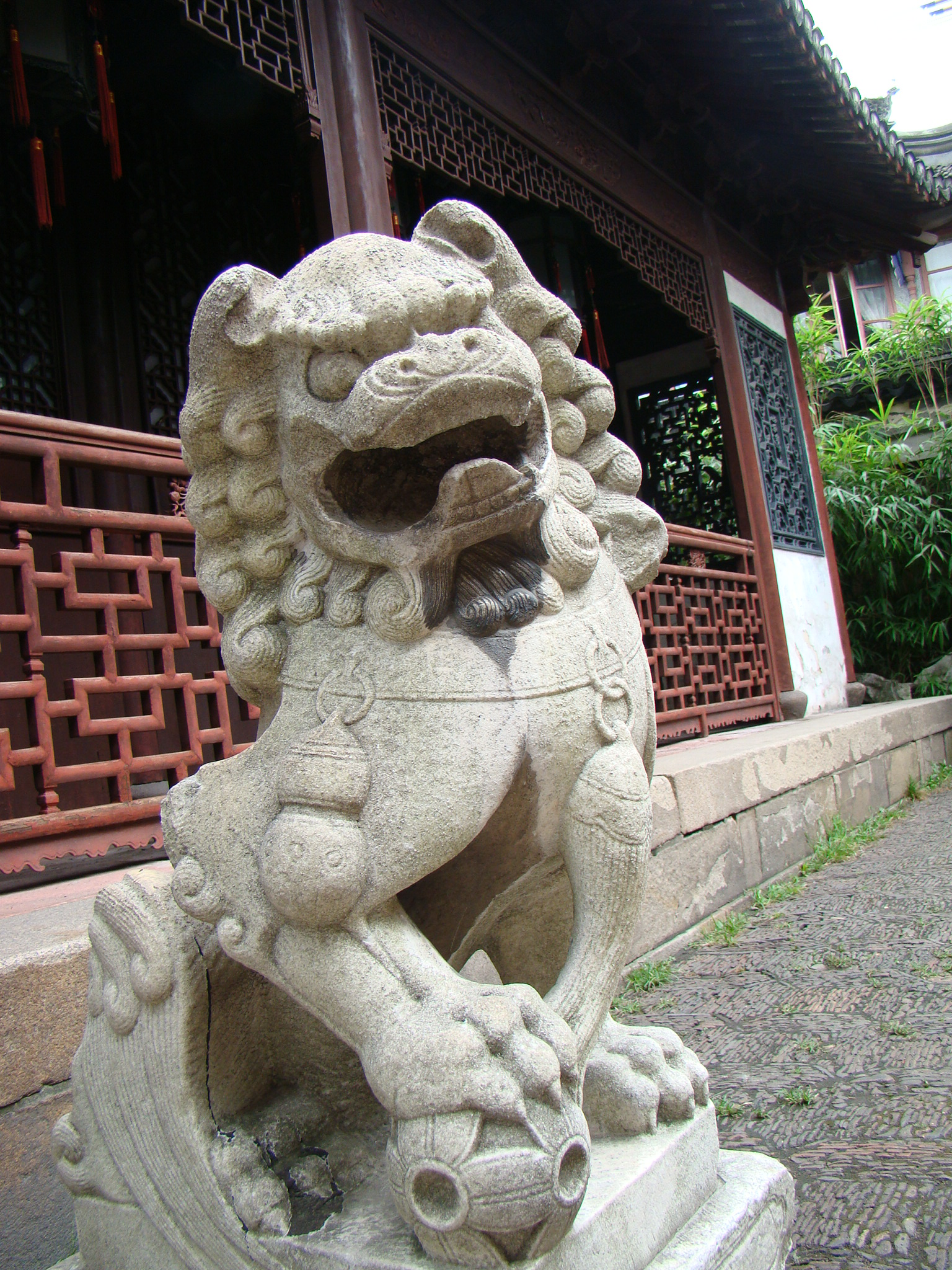 Yu yuan classical garden in the heart of Shanghai,