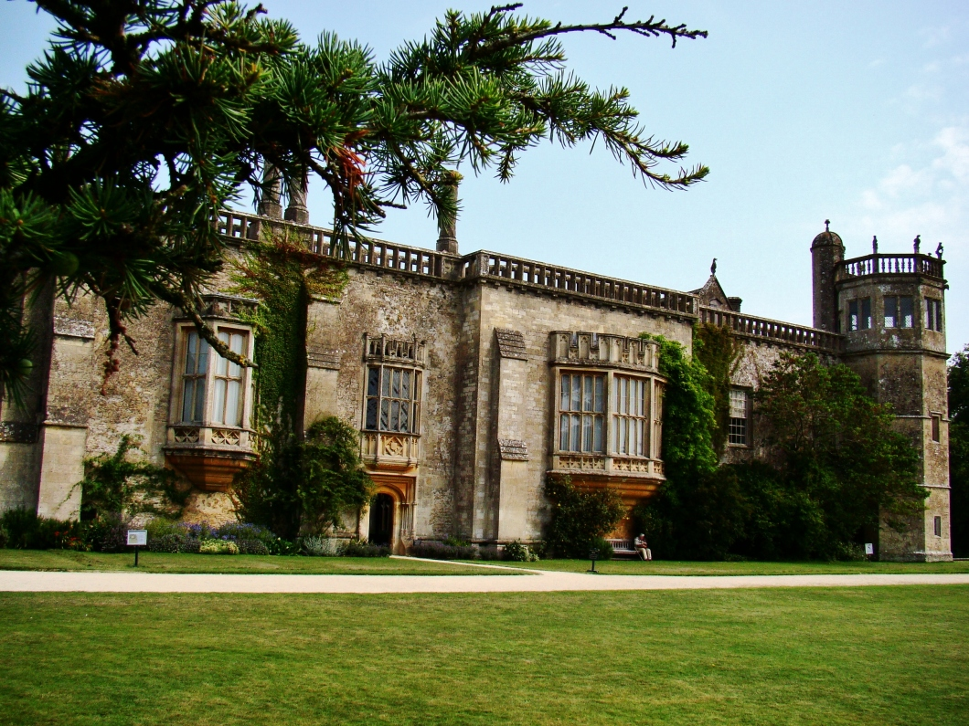 Lacock Abbey, supplied many of Hogwarts' classrooms.