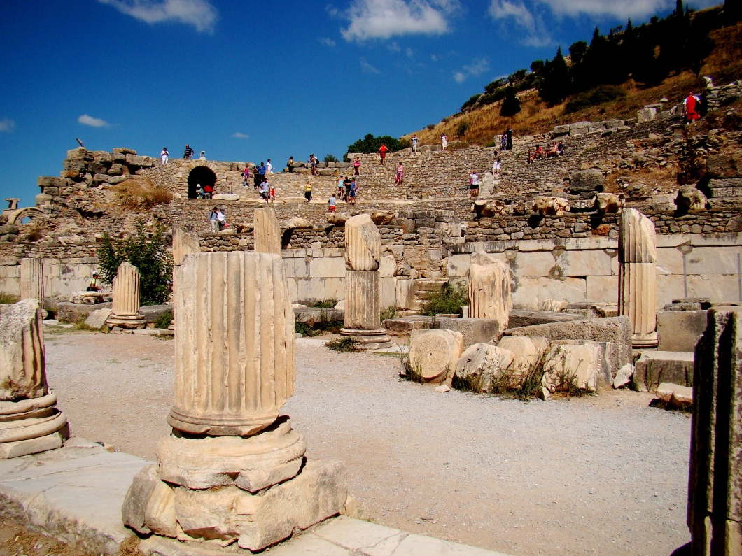The agora on the southern part of the Basilica is the State Agora, and was built in the Roman Period in the first century B.C. This agora was used not for commerce but for business, it played an important role as a meeting place for the governmental discussions.