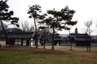 Exploring the buildings of Jeonju, South Korea
