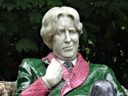Memorial to Oscar Wilde's life