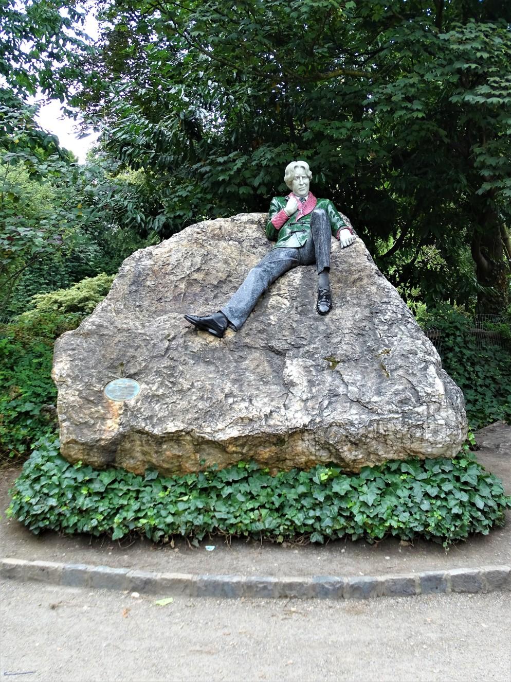 Memorial to Oscar Wilde's life
