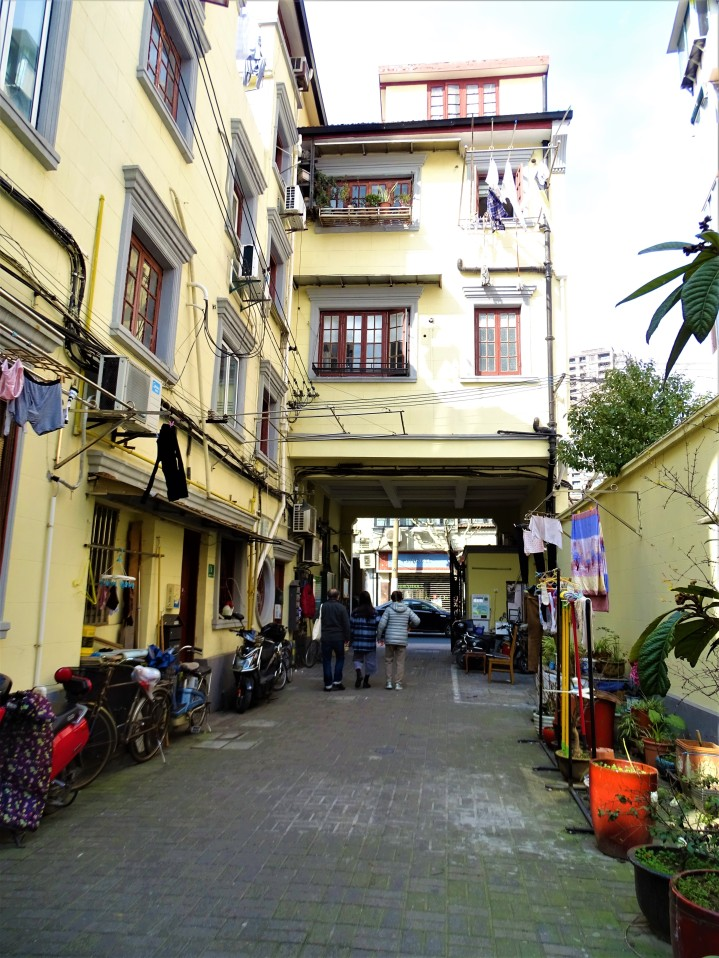 Gritty Alleyways of Yuyuan