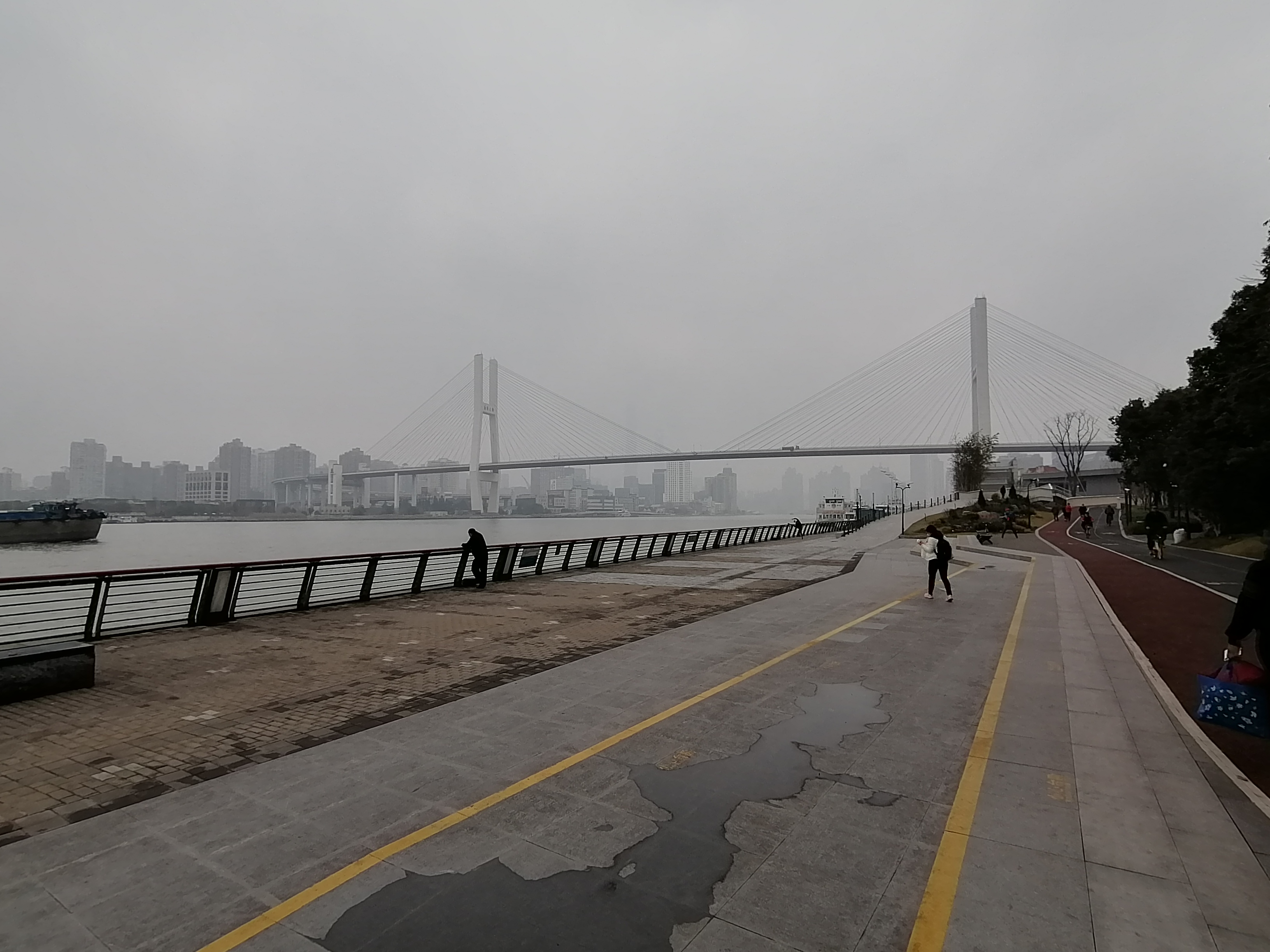 Winter Cycling through the streets of Shanghai